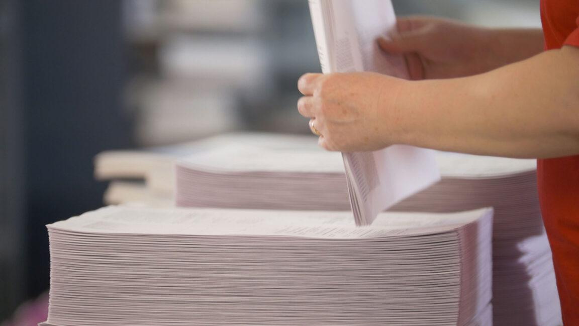 Stacking digital printer paper
